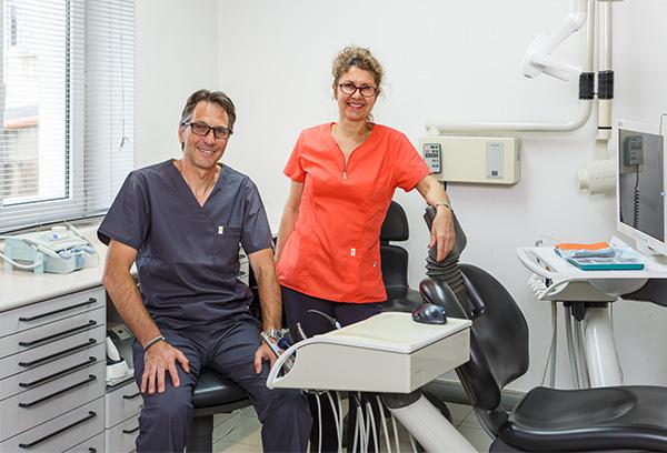 Le Dr Trotebas et son assistante